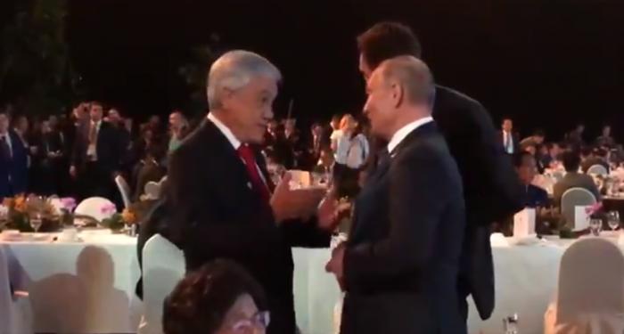 Sólo alcanzó para un saludo: Piñera no logró reunión bilateral con Putin