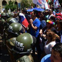 Gobierno pone fin al suspenso y sella acuerdo por reajuste al sector público en medio de manifestaciones