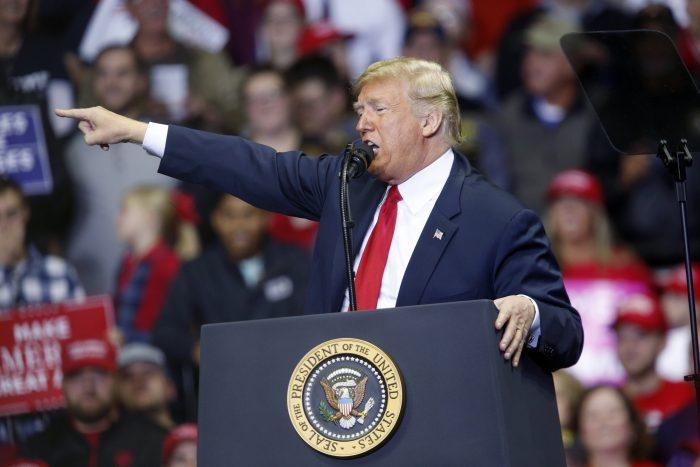 Cómo los demócratas afectarían la política comercial de Trump