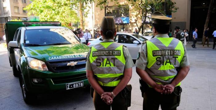 Violencia intrafamiliar: Carabinero agredió a su pareja por abrir una cuenta en Facebook