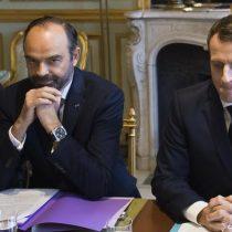 Gobierno francés suspende aumento de impuestos sobre carburantes