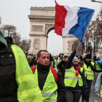 """Francia: """"chalecos amarillos"""" protestan por quinto sábado consecutivo"""