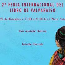 Feria Internacional del Libro de Valparaíso frente a la Biblioteca Santiago Severín