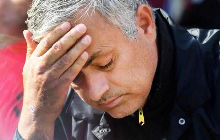 Alexis Sánchez se quedó sin DT: Manchester United confirmó la salida de José Mourinho