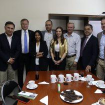 Kast y políticos oficialistas se reunieron con el hijo de Jair Bolsonaro
