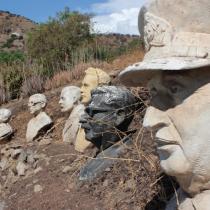 """Arturo Hevia, el escultor detrás de los monumentos a Allende y Merino: """"Todos tienen derecho a tener una estatua"""""""