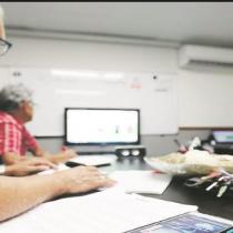 La firma electrónica que olvida a los adultos mayores