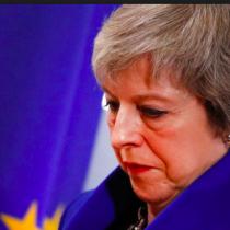 Theresa May: cargando un muerto en la soledad