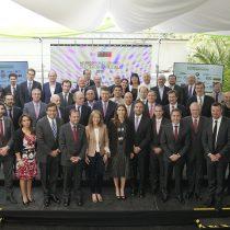 Firman compromiso público-privado con 38 empresas e instituciones para impulsar la electromovilidad