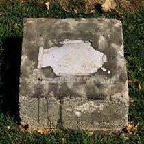 Ataque homofóbico: destruyen la placa de primer monumento LGBTI en el cerro Santa Lucía