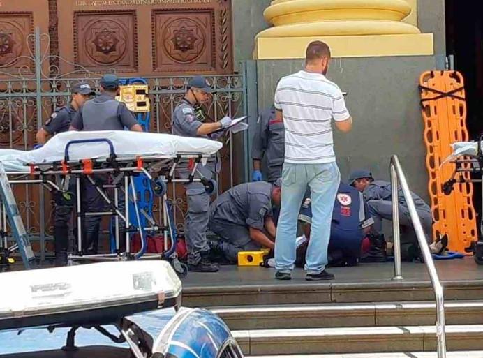 Hombre dispara al interior de una misa en Sao Paulo, mata a cinco personas y luego se suicida