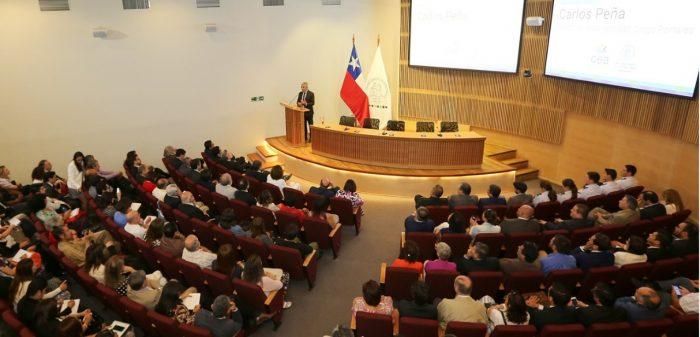 Carlos Peña y las causas que producen corrupción en el país: