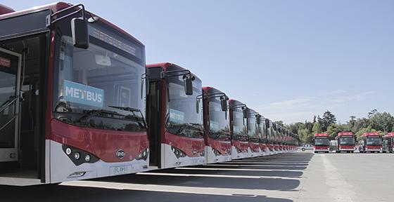 Buses eléctricos empiezan a operar este sábado en Santiago