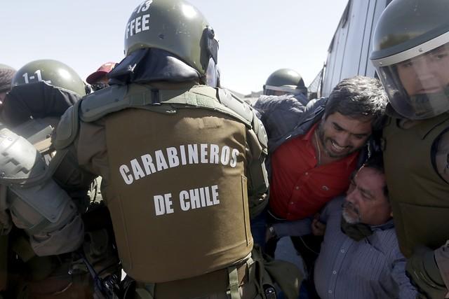 Paralizaciones y protestas ponen en jaque faenas en Codelco