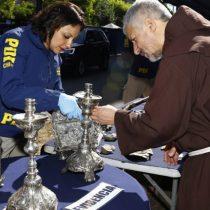 Franciscanos se querellan contra Raúl Schüler por robo de obras