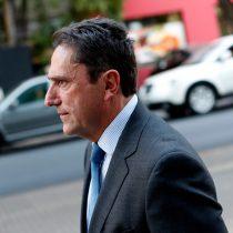 Ex ministro Gómez perdió en tribunales: corte rechazó su recurso de protección contra Abbott
