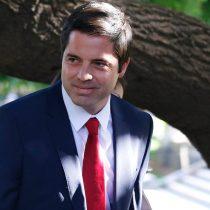 Piñera releva al ex atleta Kael Becerra del Ministerio del Deporte