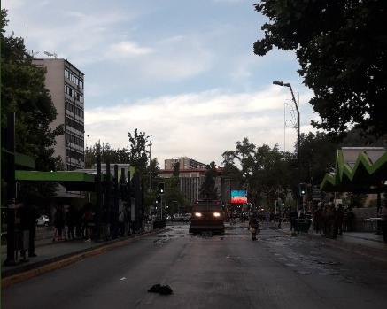 Carabineros dispersó protestas en Plaza Italia por muerte de Camilo Catrillanca