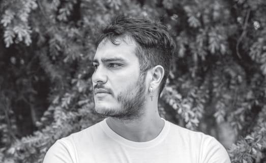 """Richard Sandoval, autor de «Tiempos peores»: """"Chile es una ambivalencia, una mixtura de hogar y traición"""""""