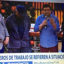 Trabajadores de TVN se toman estudio del matinal para manifestar su molestia por los despidos masivos en la estación pública