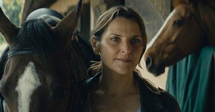 """Antonia Zegers en los Goya: película """"Los Perros"""" mira """"por la ventana trasera, desde donde nunca se ha mirado nuestra realidad"""""""