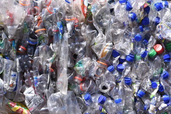 Más de 35 toneladas de botellas plásticas recicló Rapa Nui en el 2018