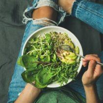 Cómo toman calcio y proteína los veganos y otras preguntas sobre el estilo de vida con cada vez más adeptos