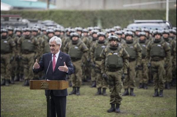 La costosa educación que pagó Carabineros para que sus funcionarios entrenaran con el Comando Jungla colombiano