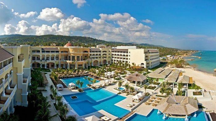 Cadena internacional se compromete a reducir uso de plástico en sus hoteles del Caribe