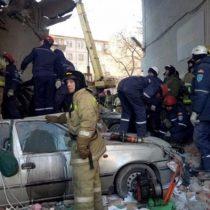 Milagro de Año Nuevo: Hallan viva a una bebé de once meses bajo los escombros de edificio en Rusia