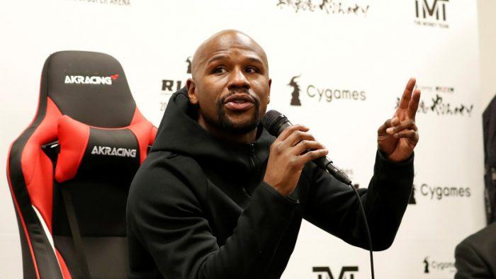 Floyd Mayweather se jacta del dinero ganado tras su pelea con el luchador japonés