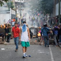 Protestas contra Maduro se extienden hasta la madrugada en varias zonas de Caracas