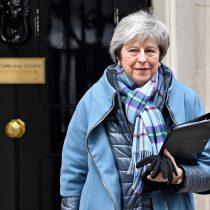 Theresa May resiste votación de enmiendas en el Parlamento y mantiene su plan para el 'brexit'