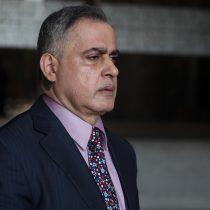 Fiscalía de Venezuela pide prohibir a Guaidó la salida del país