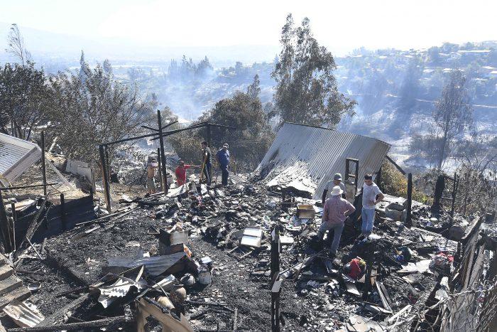 Conaf actualiza el estado de los incendios forestales que afectan al país: