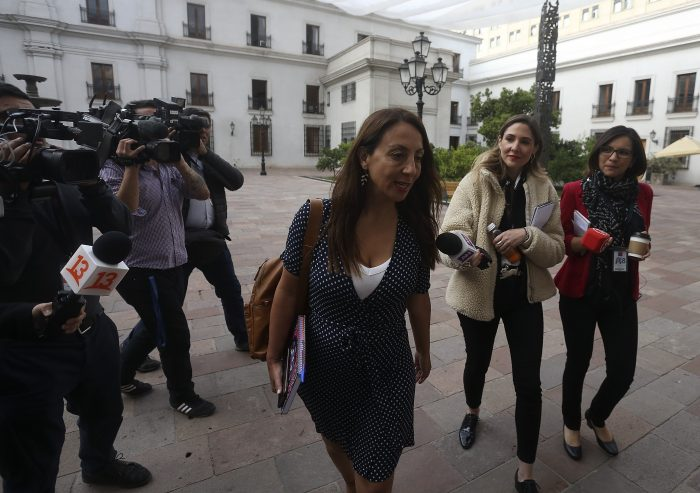"""Vocera tildó de """"inaceptables"""" declaraciones de Maduro en las que calificó a Piñera como """"pichón de Pinochet"""""""