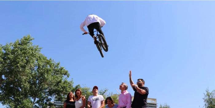 Entretención sobre ruedas para quienes visitan Santiago durante el verano