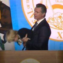El niño de 2 años que le robó el show al nuevo gobernador de California