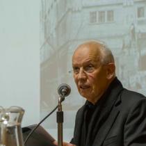 Arden las artes visuales: favorito para dirigir el Museo de Bellas Artes genera controversia
