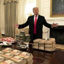 Las 300 hamburguesas que Trump compró para comer en la Casa Blanca (y qué tienen que ver con el cierre de Gobierno)