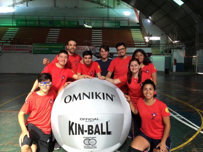 Kin-ball, el exitoso deporte alternativo que busca ser reconocido por el gobierno