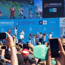 Ni en la Fórmula E se salva: la monumental pifiadera que recibió Andrés Chadwick al entregar un premio