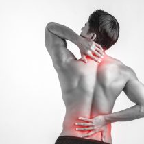 Experto en rehabilitación asegura que millones de pacientes viven con dolor persistente