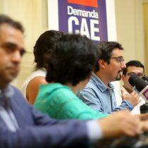 Educación sin Dicom: parlamentarios de oposición junto a deudores del CAE ingresaron proyecto de ley