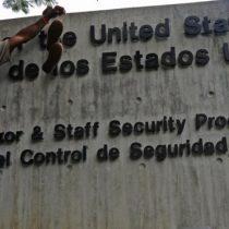 ¿Qué pasa si EE.UU. desobedece la orden de Maduro y su personal diplomático se niega a abandonar Venezuela?