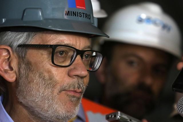 El que explica se complica: ministro Fontaine enciende la polémica al plantear ceder los derechos de agua a perpetuidad