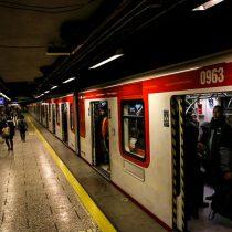 Metro de Santiago restablece servicio en la Línea 1