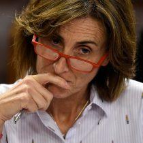 Trabajadores del Mineduc piden a Piñera sacar a la ministra Cubillos: