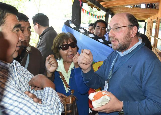 """Los ánimos no se calman en La Araucanía: gremios divididos declaran """"persona non grata"""" al ministro Moreno"""