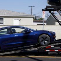 """Tesla elimina 3 mil empleos y Musk vislumbra un camino """"difícil"""""""